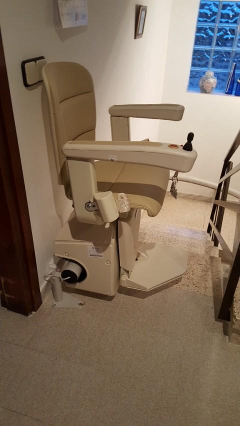 cadira salvaescales unum amb opcional offset muntada a lliça d'amunt