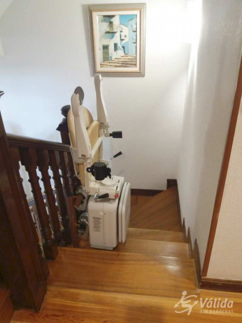 Cadira pujaescales per a salvar un tram corb a San Lorenzo del Escorial