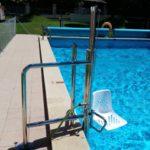 cadira per entrar a la piscina fàcil instal·lació guadalajara valdeluz yebes