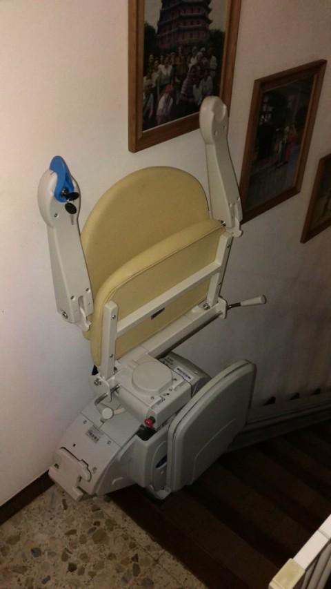 cadira elevadora de valida sin barreras per trams rectes unics a premia de mar