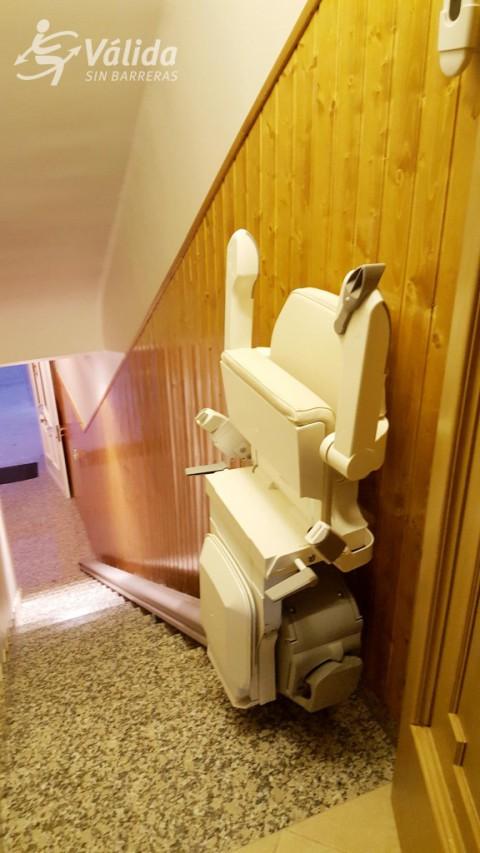 cadira pujaescales plegable per a persones d'avançada edat Lleida