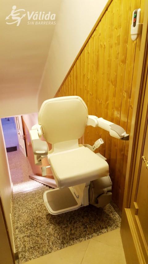 cadira salvaescales tram recte a casa particular de Bellvís Lleida