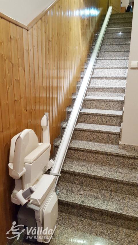 cadira pujaescales per a suprimir barreres arquitectòniques a Lleida