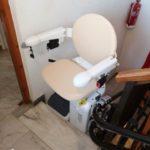 cadira pujaescales per a persones majors o amb discapacitat a Murcia