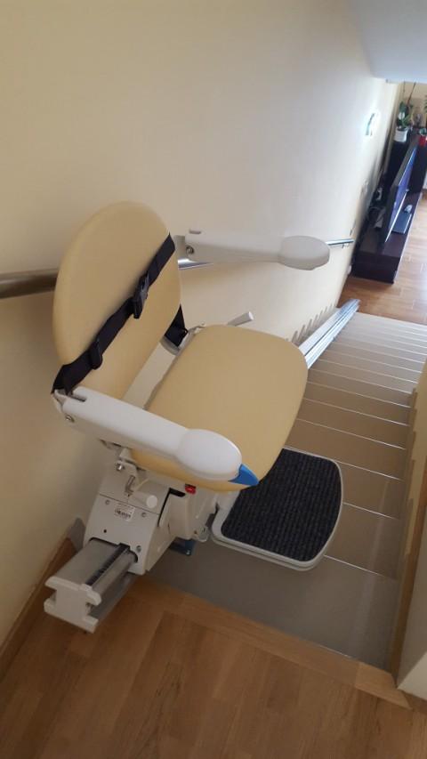 puja escales amb seient gir manual a hospitalet llobregat barcelona
