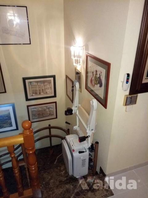 Cadira salvaescales per casa particular de Cerdanyola del Vallès