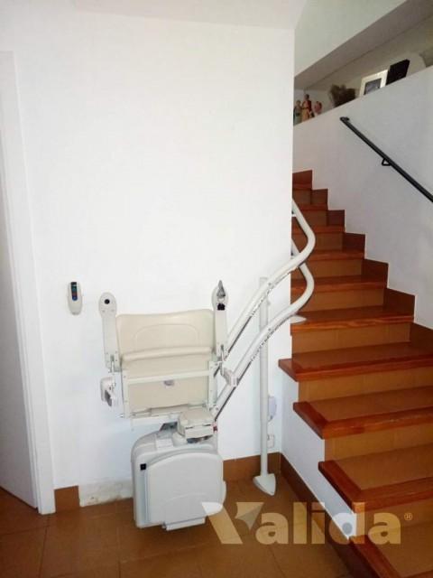 Cadira salvaescales per persones amb problemes de mobilitat