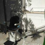 Cadira salvaescales instal·lada a exterior de casa particular a Pozoblanco, Córdoba
