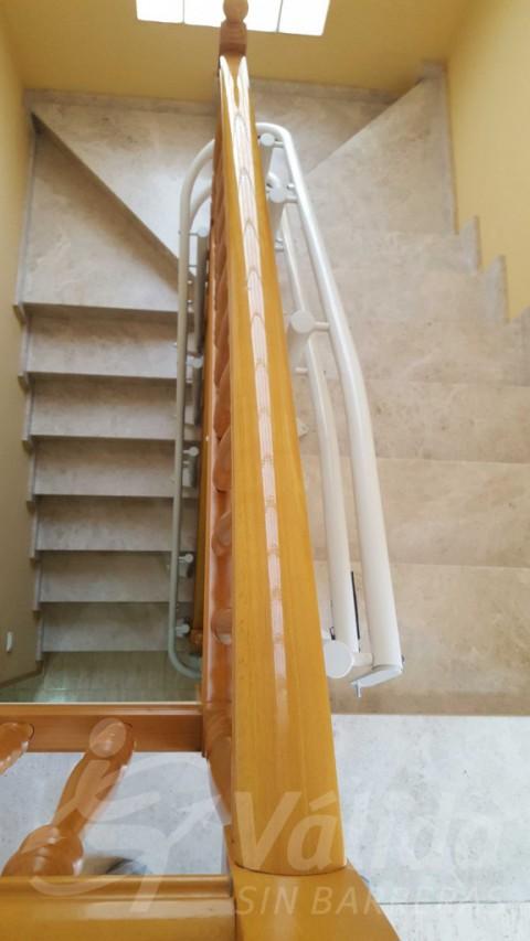 Cadira pujar escales persona gran a casa Bigues i Riells Barcelona