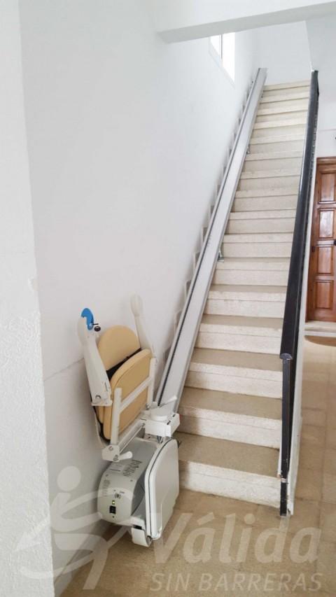 cadira salvaescales discapacitat accessibilitat a la llar girona roses