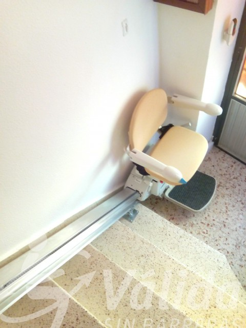 Cadira pujaescales a Toro Zamora per a superar escales de casa particular