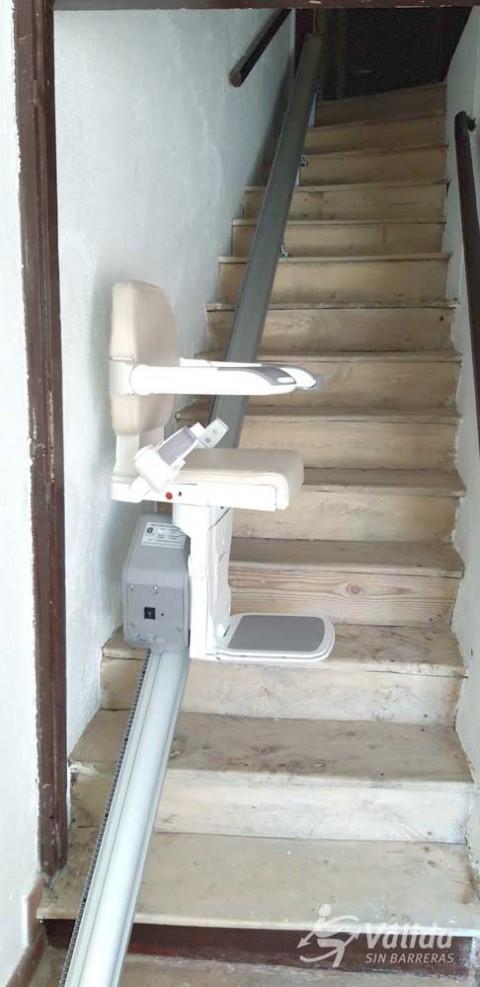 muntatge d'ajuda tècnica per a la supressió de barreres arquitectòniques