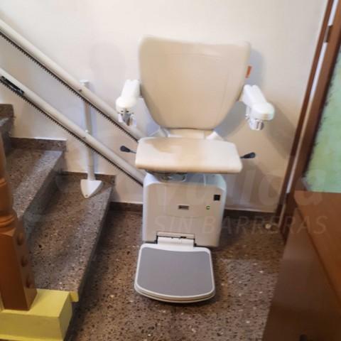 Palamós instal·lació cadira salvaescales Socius baix consum