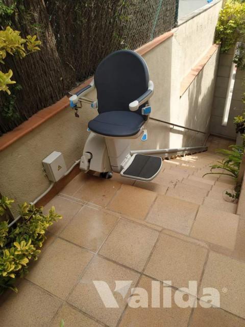 Cadira salvaescales per exterior a Tiana