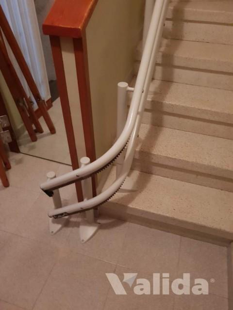 Cadira puja escales per persona de la tercera edad a El Vendrell