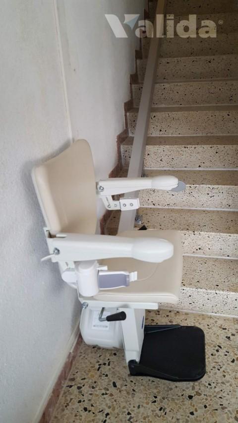 Cadira salvaescales Alium per tram d'escala recte y estret