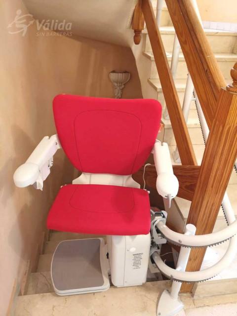 Cadira salvaescales SOCIUS instal·lada a casa particular de El Puig, Valencia