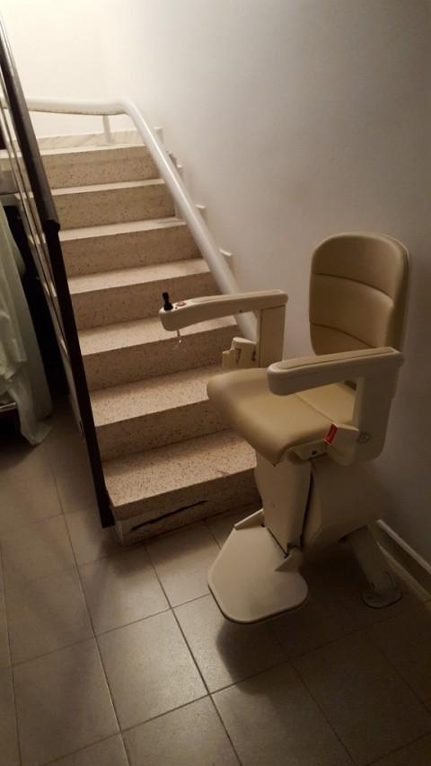 salvaescales unum amb seient elegance i opcional offset en lliça d'amunt