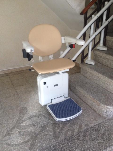 cadira amb acabat simplicity muntat a l'interior d'una comunitat de veins de reus tarragona