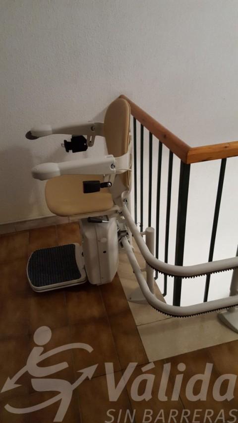 Integració de cadira salvaescales en escala de La Garriga a Barcelona