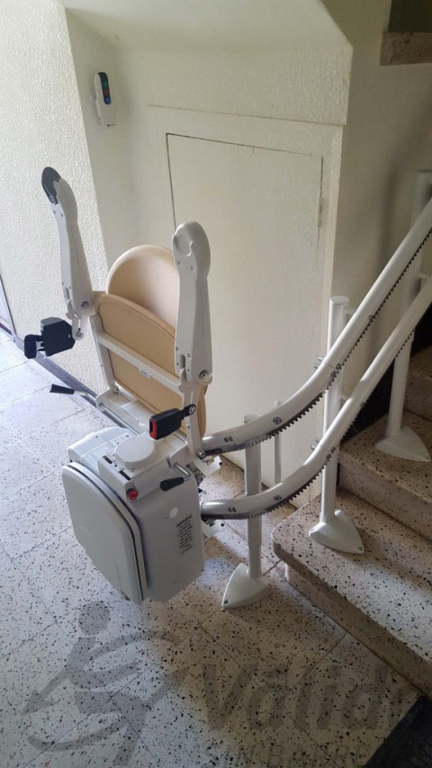 seient plegable simplicity a nivell inferior escala olot