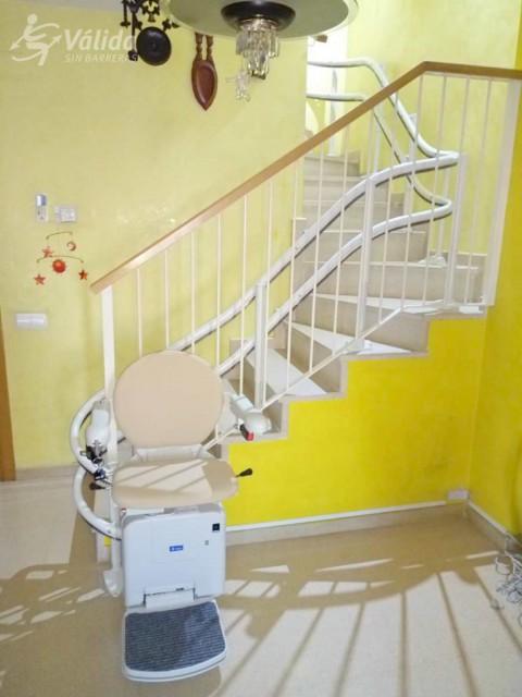cadira salvaescales per a millorar l'accessibilitat d'una casa particular