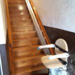 Cadira elevadora per transportar a persones d'avançada edat a Lantz