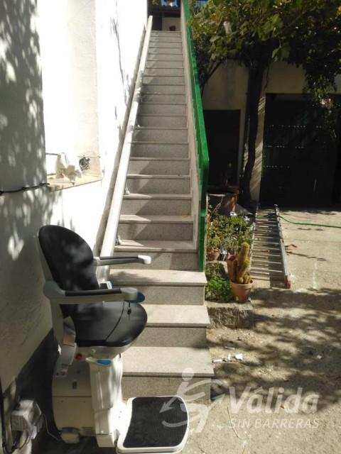 Solució pujaescales instal·lada a intempèrie a Pozoblanco a Córdoba