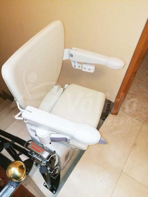instal·lació cadira salvaescales Tírig Castellón mobilitat reduïda Socius