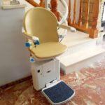 cadira socius a parking inferior muntat en una casa algemesi amb recorregut interior