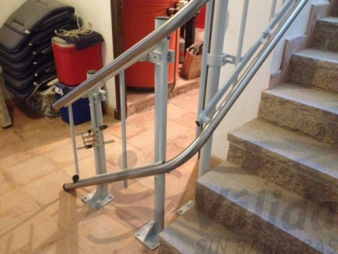 salvaescaleras secur con doble guia acero inoxidable castell aro